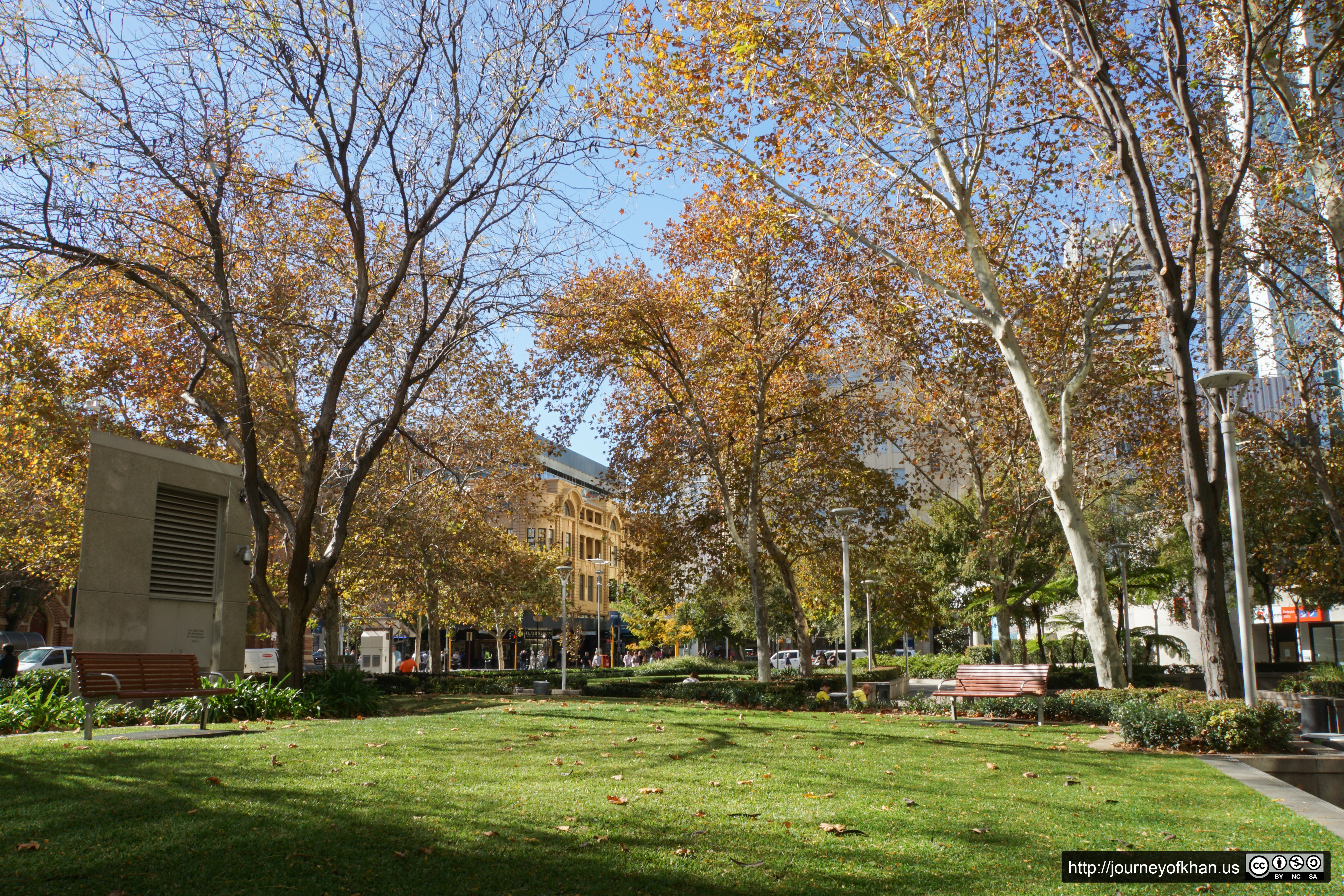 Park in the City of Perth (High Resolution)